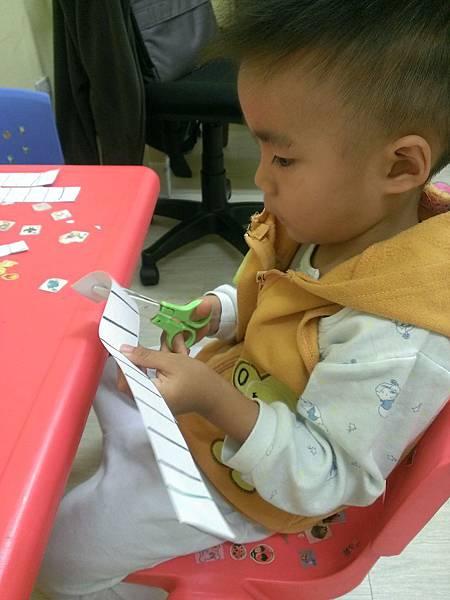 BabyLife育兒生活雜誌專家解答(一):剪刀使用