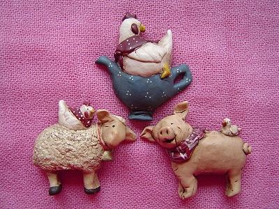 04年Magnets系列,雞抱壺(M0495)、綿羊(M0493)、小豬(M0494)