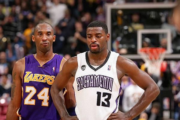 Kobe-Bryant-Tyreke-Evans.jpg