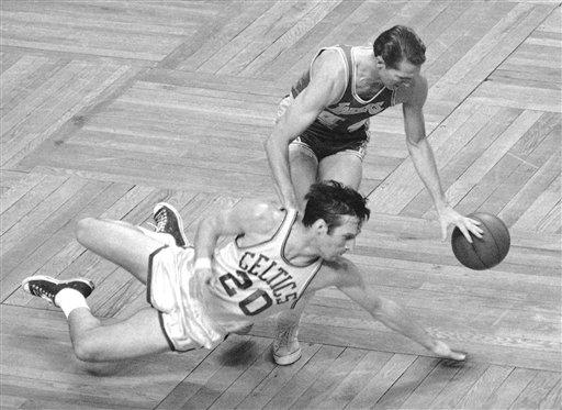 90160_Obit_Siefreid_Basketball.jpg