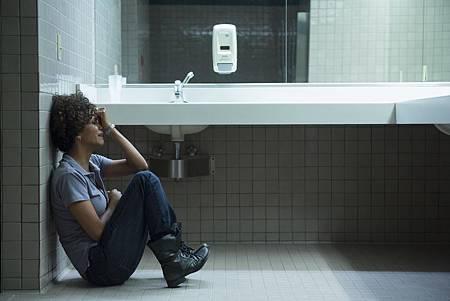 絕命連線-荷莉貝瑞因失誤造成少女被殺 崩潰痛哭 (2)