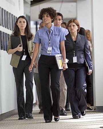 絕命連線-荷莉貝瑞飾演911接線生(1)