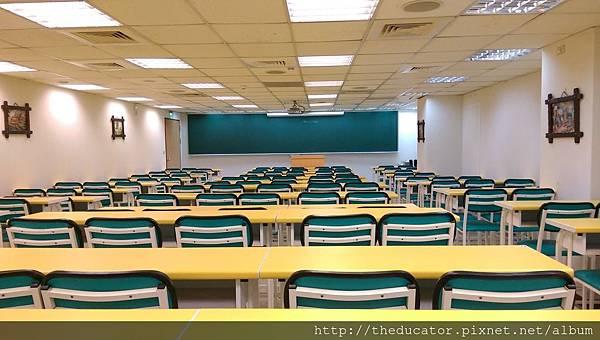 教室B2.jpg