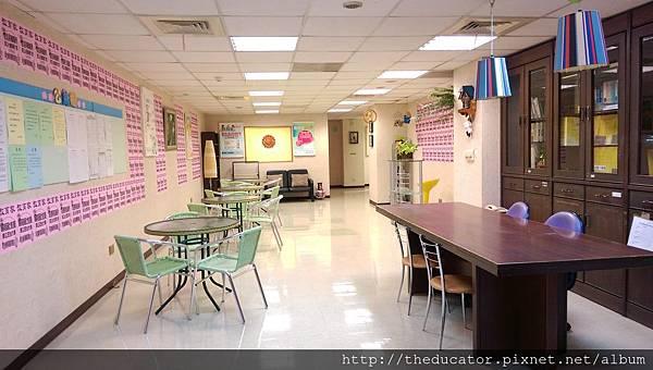Lobby01.jpg