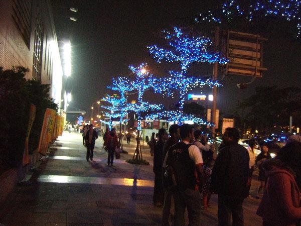 信義商圈街道一景