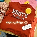 C) ROOTS 1973 紅色短T