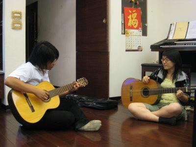 練吉他(偽