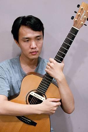 吉他-彤閣