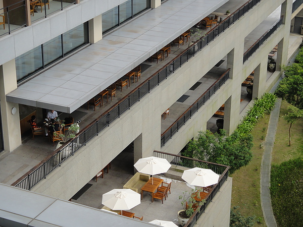 二F戶外的用餐空間