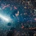 Man-of-Steel-Trailer-Images-Destruction-in-Metropolis-570x237.jpg