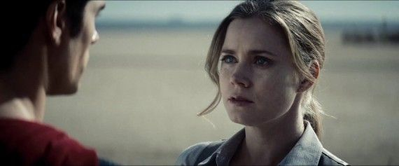 Man-of-Steel-Trailer-Images-Lois-Lane-Amy-Adams-with-Superman-570x237.jpg