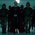 Man-of-Steel-Trailer-Images-Superman-in-Handcuffs-570x237.jpg