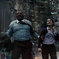 Man-of-Steel-Trailer-Images-Perry-White-Flees-Destruction-570x237.jpg