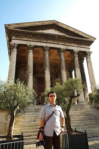 尼姆-羅馬神殿