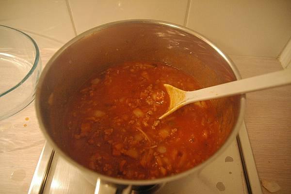 正在做義大利肉醬