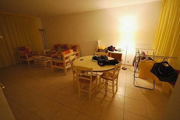 諾大的客廳