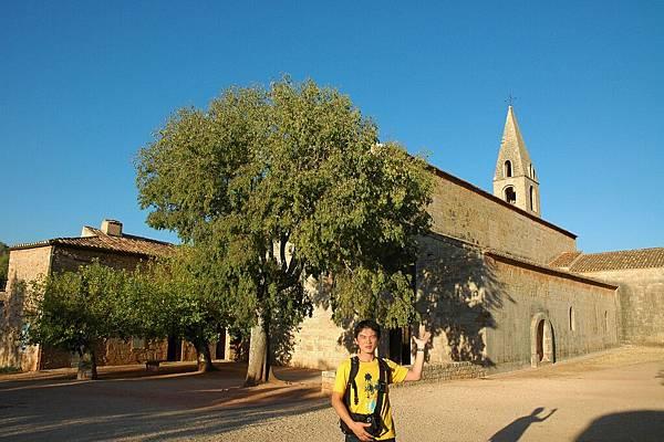 拉索夫修道院:中世紀宗教藝術的三大瑰寶
