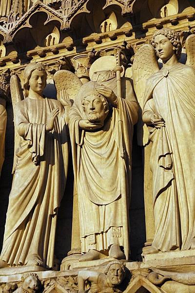 聖母院雕像