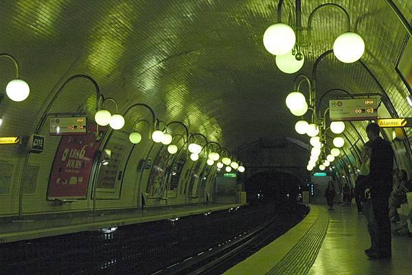 漂亮的巴黎地鐵
