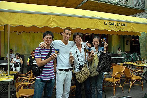 黃屋的午餐: 熱情的法國服務生