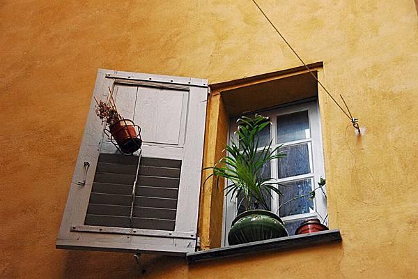 葛拉斯街景-可愛的窗戶