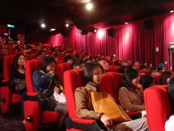 滿滿的觀眾,滿滿的感動