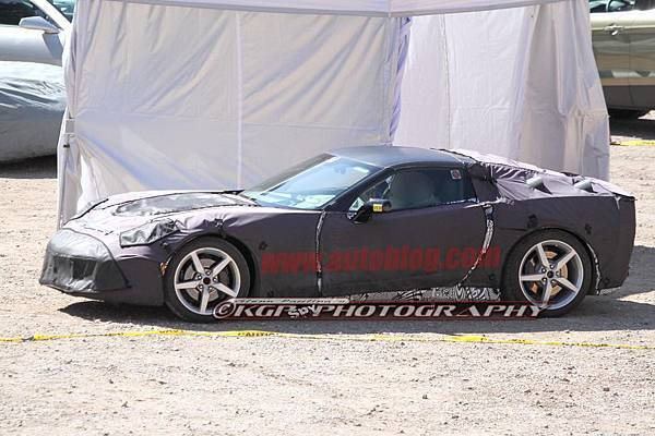 013-2014-chevy-corvette-c7-spy-shots