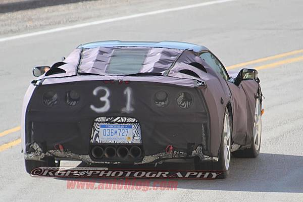 035-2014-chevy-corvette-c7-spy-shots