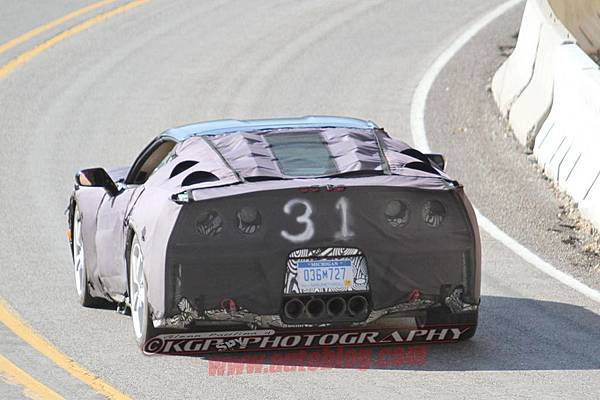 033-2014-chevy-corvette-c7-spy-shots