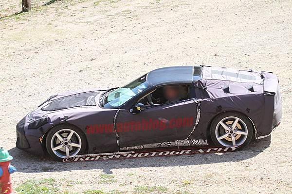 018-2014-chevy-corvette-c7-spy-shots