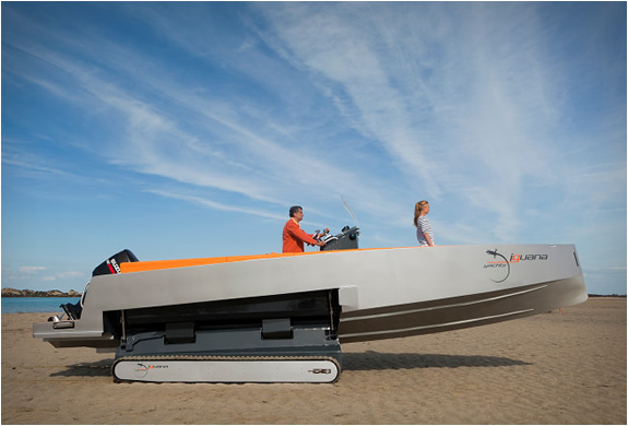 iguana-29-ground-boat