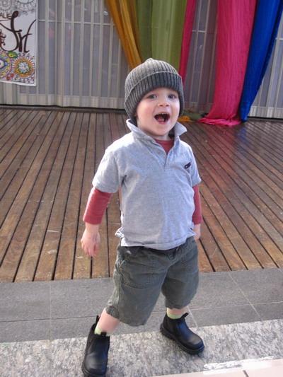 2009_0703_132528超可愛的小孩.JPG