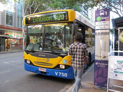 2009_0808_151400在Adelaide的commomwealth對面搭乘500號公車前往Ekka,off peak$2.4.JPG