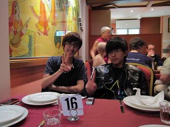 2009_0822_205824 Alex跟Johnny.JPG