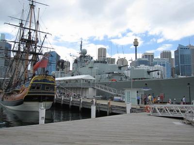 2009_1230_104953 Darling Harbour一景 海事博物館.JPG