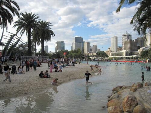 2010_0904_161444 Street beach.JPG