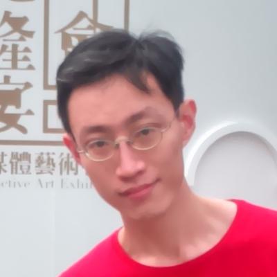 大頭照20151220.png