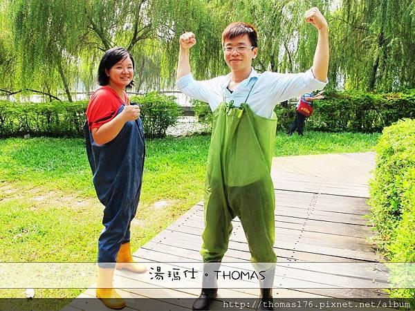 高雄_左營蓮池潭採菱角_1