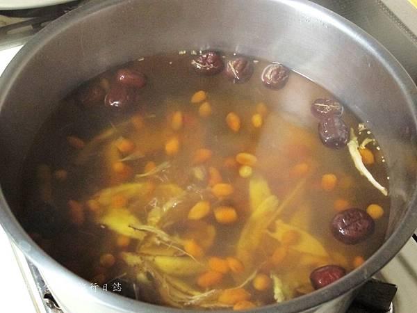 湯瑪仕i煮菜,剝皮辣椒雞食譜,如何煮好吃的剝皮辣椒雞_06