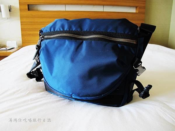 SUMDEX側背包,防潑水側背包,SOFT CITY包_06
