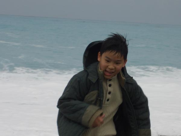 七星潭---孩子們無法抗拒的湛藍海岸
