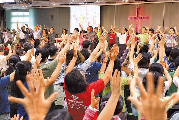 2010為台灣轉化眾牧者跪地禱告