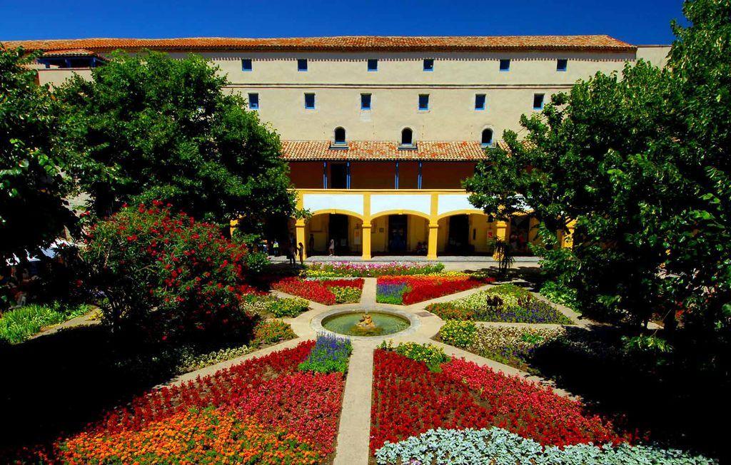 2007-7-5-阿爾古城Arles-28-1(梵谷文化中心)