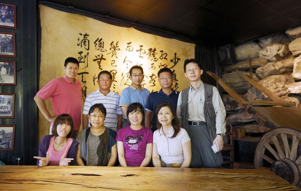 2014-8-15-花蓮外拍團體酷照-3 (鳳林月盧餐廳)