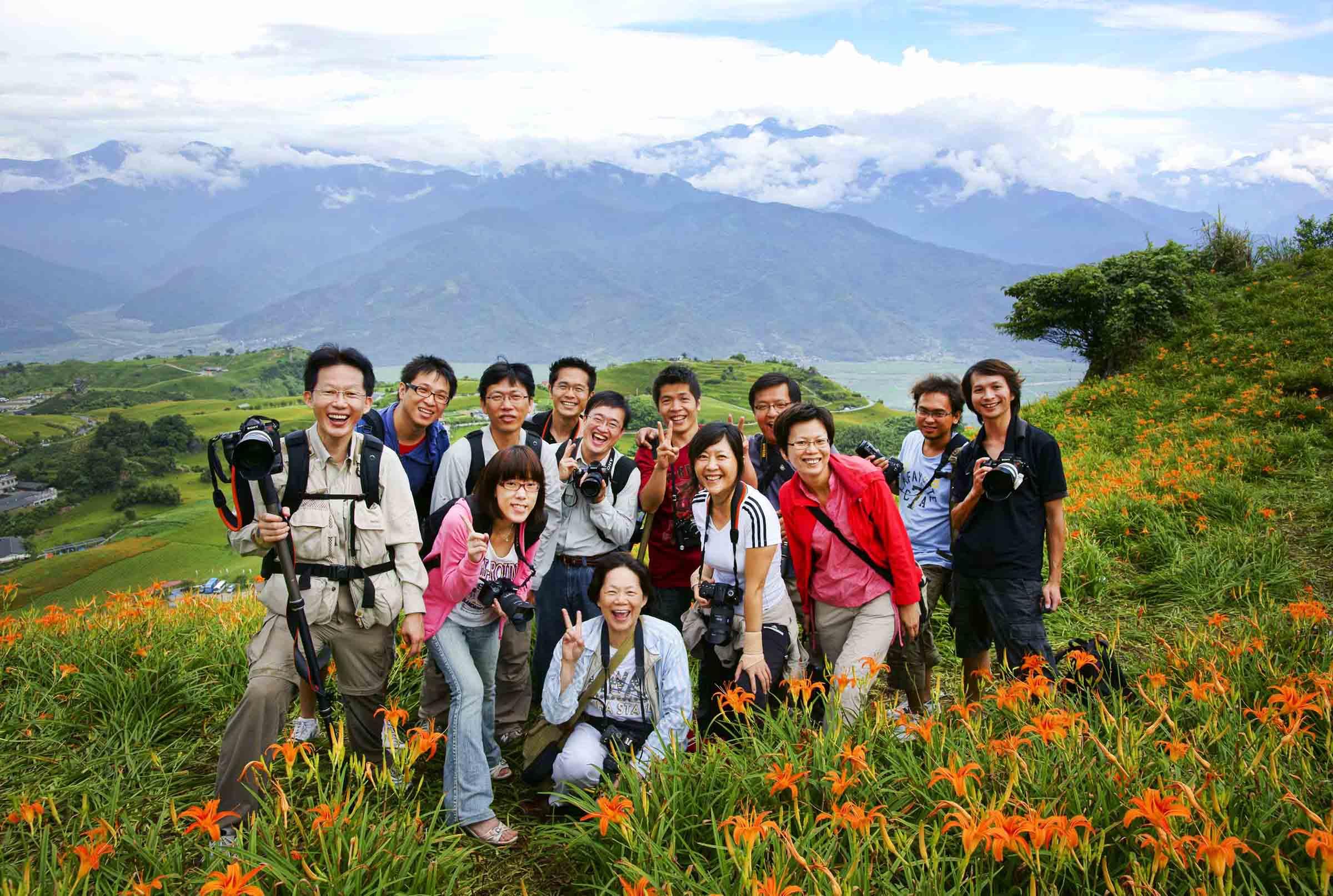 2010-8-22-紀老師攝影班花蓮六十石山團體合照-2.jpg