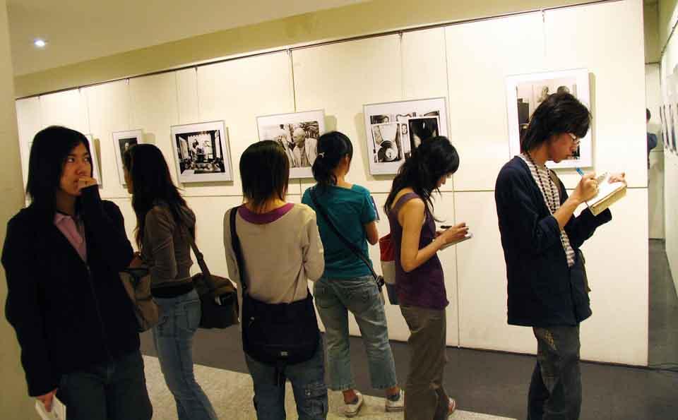 紀國章老師歐洲攝影家造像展場-2.jpg