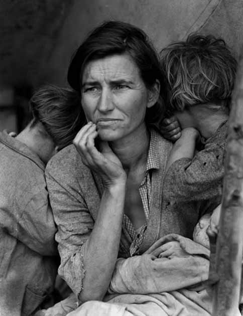 Dorothea Lange -- 1940 -- Migrant Mother 09-1.jpg