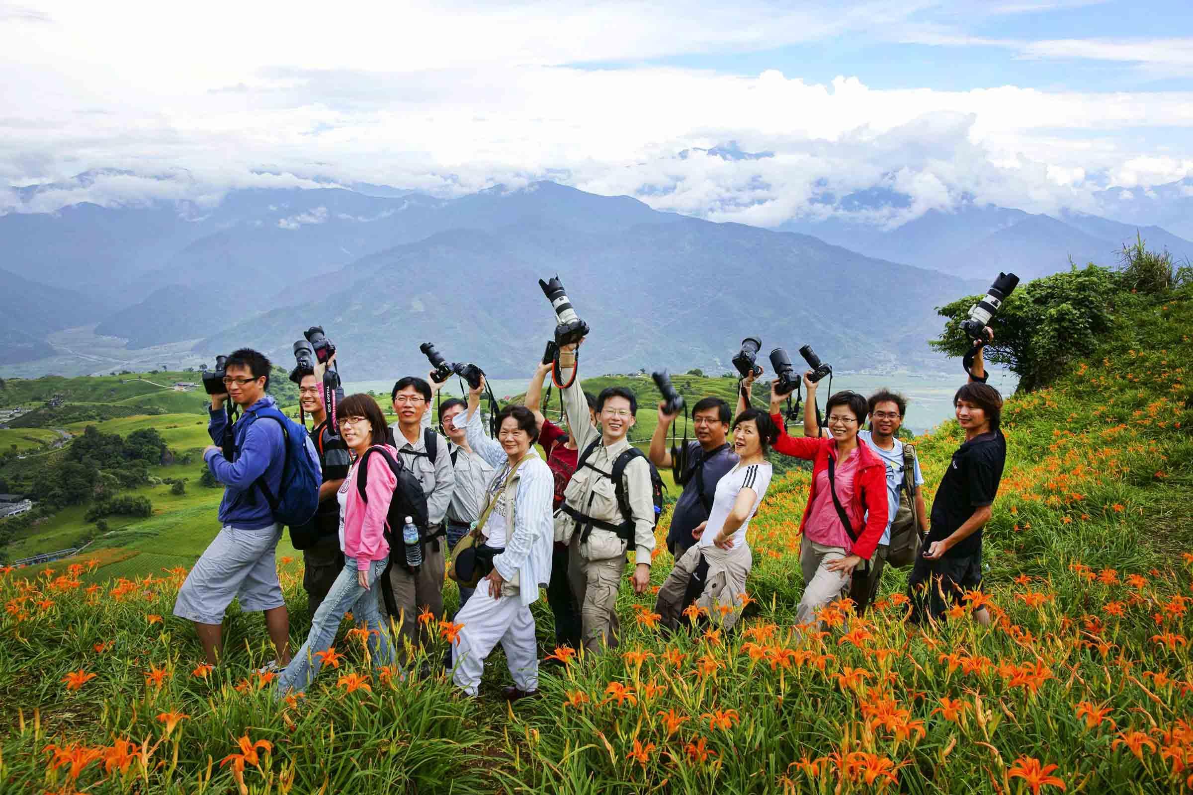 2010-8-22-紀老師攝影班花蓮六十石山團體合照-7.jpg