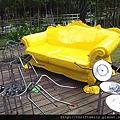黃沙發.jpg
