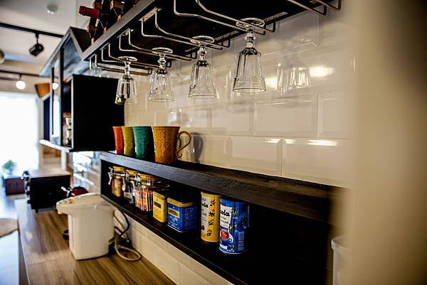 04.圖四:美感與實用兼備的家用品是塑造空間溫度的元素